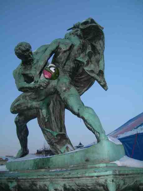 Bältespännarna slåss med pumpa? Fredag 7 december 2012 kl 15.35.