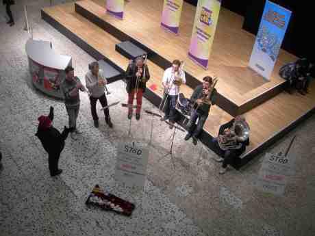 Stadsmissionen och Symfonikerna blåser Bingolotto? Tisdag 18 december 2012 kl 15.51.