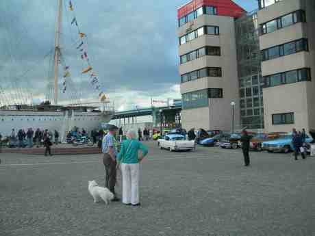 Rullande sommardäck gästar långtradaren Viking. Onsdag 29 maj 2013 kl 19.12.