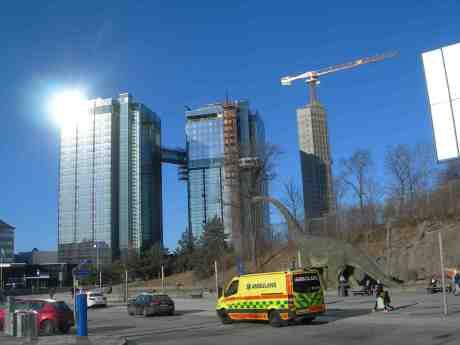 Gothia  West, Crown – byggs på med sex våningar – och East Tower som ska bli 100 meter högt och vara färdigt 2015. Onsdag 3 april 2013 kl 17.23.