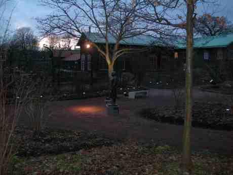 Karin Boye bortgömd men inte bortglömd i Trädgårdsföreningen. Tisdag 5 februari 2013 kl 16.36.