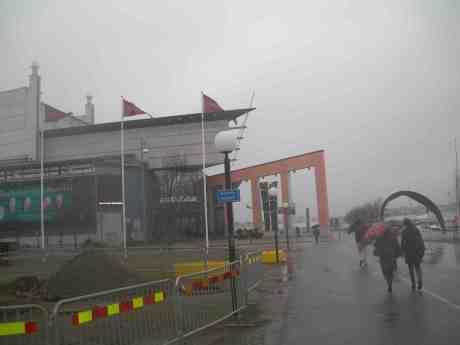Regn och rusk i Göteborg byts snart till Verdidramatik i Simon Boccanegras Genua. GöteborgsOperan vid Kanaltorget onsdag 24 april 2013 kl 18.45