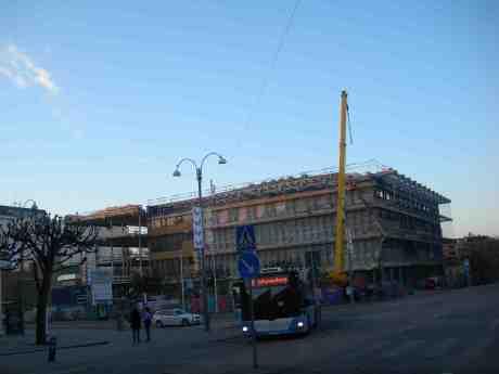 Stadsbiblioteket till- och ombyggs. Götaplatsen måndag 6 maj 2013 kl 20.41.