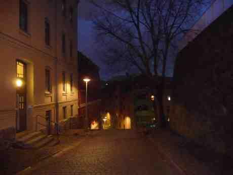 Övre Spannmålsgatan. Söndag 3 november 2013 kl 16:57.