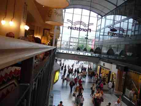 Utsikt från nya Condeco på Götgatan i Nordstan. Tisdag 30 juli 2013 kl 18:04.