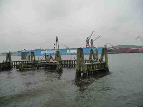 Damen Shiprepair/Götaverken Cityvarvet sparkar 53 anställda och behåller 66. Skarvarna blir kvar på sina dykdalber.  Tisdag 8 oktober 2013 kl 14:35.