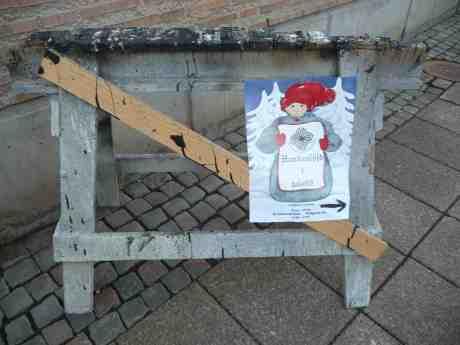 Handslöjd i juletid. Postgatan vid Kronhusbodarna. Första advent söndag 1 december 2013 kl 14:11.