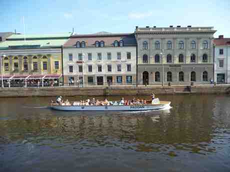 Gamla kära  Paddan 4 från 1947 i Stora Hamnkanalen! Lördag 6 juli 2013 kl 17:25.