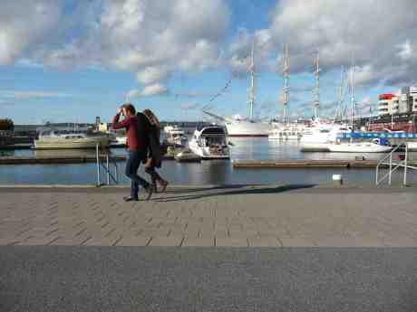 Söderläge ombord. Lilla Bommens hamn söndag 6 oktober 2013 kl 15:34.