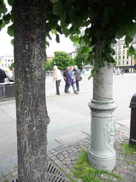 Första smygfotoförbudsdagen. Östra Hamngatan–Södra Hamngatan måndag 1 juli 2013 kl 16:18.