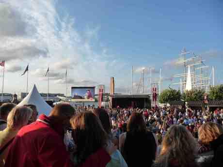 Tordenskioldsdagarna på Jussi Björlings Plats vid Operan och Lilla Bommens hamn. Lördag 17 augusti 2013 kl 19:28.