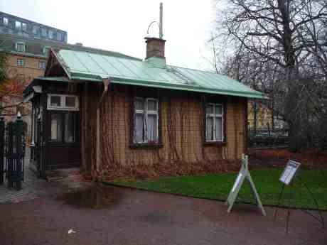Trädgårdsföreningens Portvaktstuga från 1901 vid Slussen. Torsdag 7 november 2013 kl 14:51.