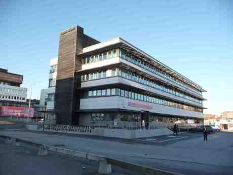 Auktionsverket invigde i dag nya visningalokaler i hamnarbetarnas gamla Asken på Värmlandsgatan 2. Lördag 29 mars 2014 kl 15:58.