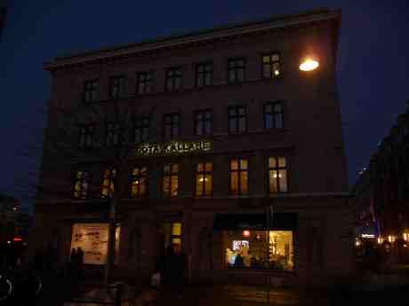 Göteborgs första moderna hotell Göta källare invigdes 1812 och fortsatte verksamheten till 1944.. Måndag 3 februari 2014 kl 17:18.