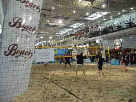 Gratis Beach Volley mot cancer i Nordstan. Fredag 14 mars 2014 kl 17:58.