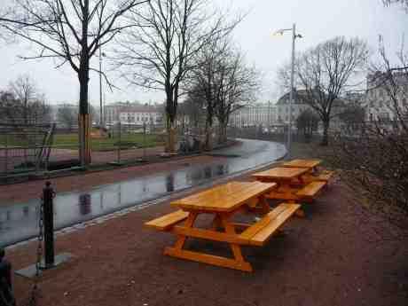 Ny gång- och cykelbana snart klar i Gamla Allén mellan Trädgårdsföreningen och Bältespännarparken. Söndag 6 april 2014 kl 18:00.