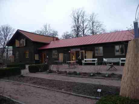 Rosenkafeet i Trädgårdsföreningen öppnade för säsongen i dag. Lördag 1 mars 2014 kl 16:05.