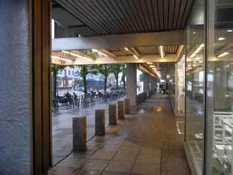 Skyfall tömmer Göteborgs gator. Torsdag 5 juni 2014 kl 19:08.