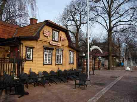 Grindstugan, Trädgårdskiosken och Bältespännarparken på väg att öppna? Redan vår? Torsdag 20 mars 2014 kl 17:02.