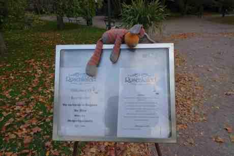 """""""Skönt att dom stänger sex nu igen för jag orkar inte med mer övertidsarbete i lekparken…"""" Trädgårdsföreningen måndag 6 oktober 2014 kl 17:45."""