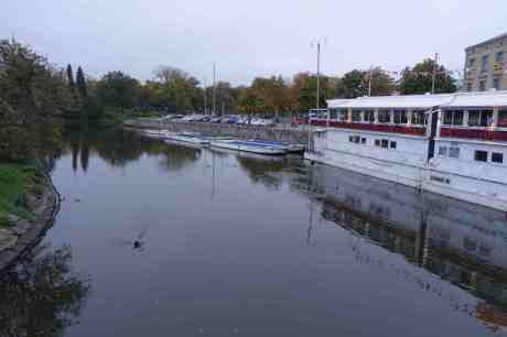 Kajkommando Väst anfaller Kungsportsbron med utfällda landningsställ fredag 3 oktober 2014 kl 18:02.