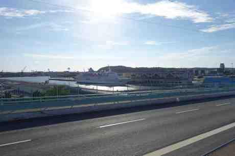 Lyxkryssaren Delphin – 16.214 ton, byggd 1975 – i Frihamnen. Måndag 4 augusti 2014 kl 18:05.